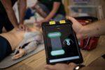 Hochqualitative Thoraxkompressionen mit CPR Feedback